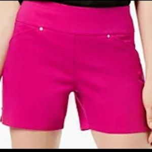 INC Curvy Pull-On Shorts Sz 4 MAGENTA new with tag
